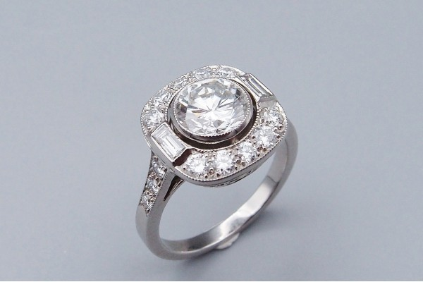 Bague Entourage Diamant 1,38 ct H / VVS1